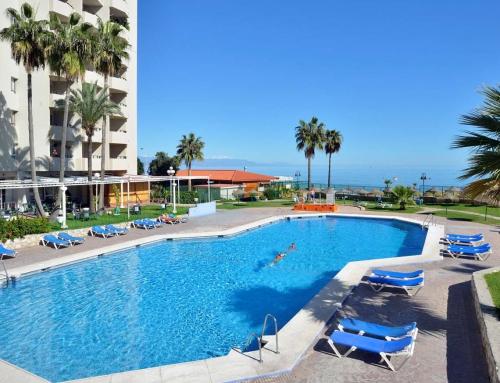 Populära Torremolinos  Lägenhet direkt vid havet 19 mars – 9 april 2022. Öppet köp till 15 januari 2022.